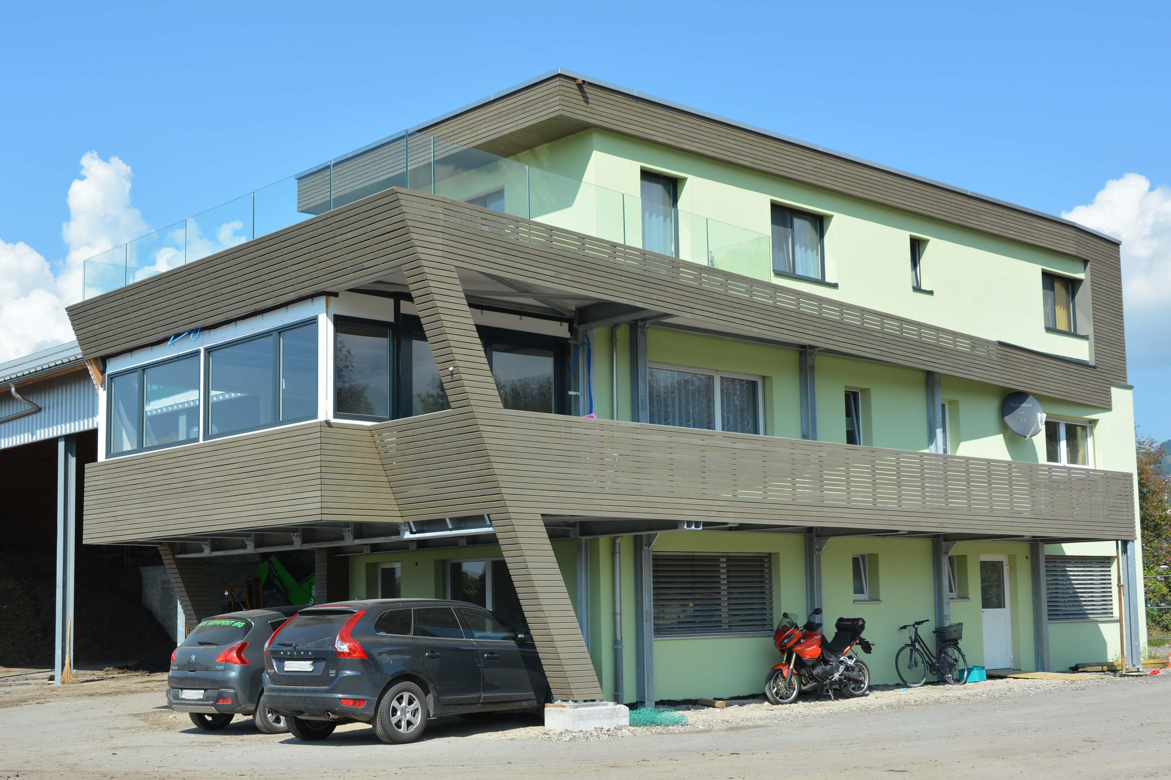 Industriebau mit Wohnung Kompostieranlage Industrie Privatwohnung Kaltbrunn Planung Bauleitung Ronner Architektur Holz Moderne modern zeitgenössisch